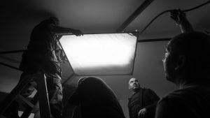 Sa snimanja serije Crno bijeli svijet - fotografija preuzeta s web stranice Hrvatskih filmskih snimatelja